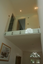 Glass balustrade on landing