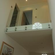 Glass balustrade on landing