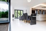 Open plan dining, sitting area